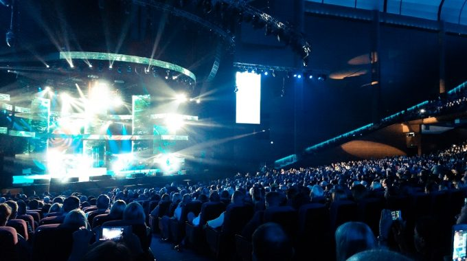 7 Questions To Ask When Hiring A Keynote Speaker